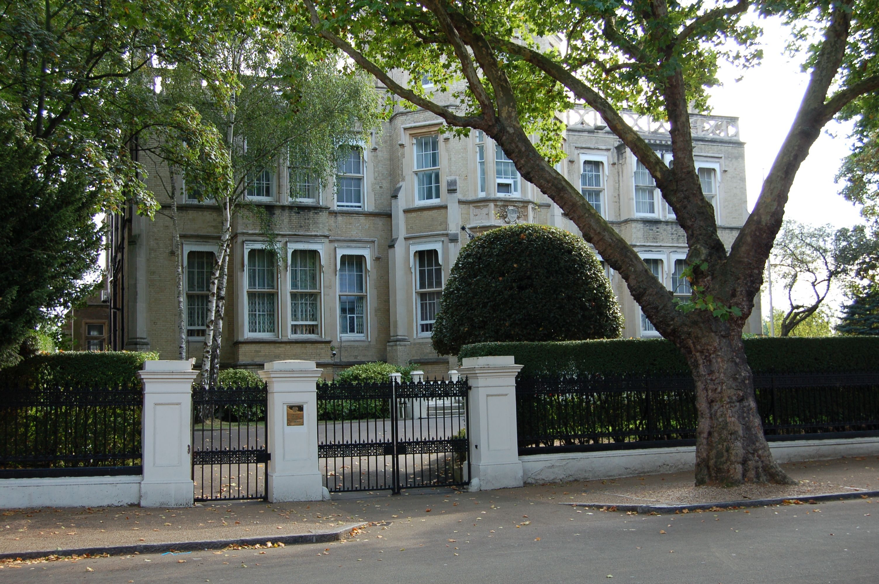 Image result for 9a Kensington Palace | Kensington palace ... on shop floor plans, london home rentals, london apartments floor plans, london flat floor plans, london home architecture, london home design, london home construction,