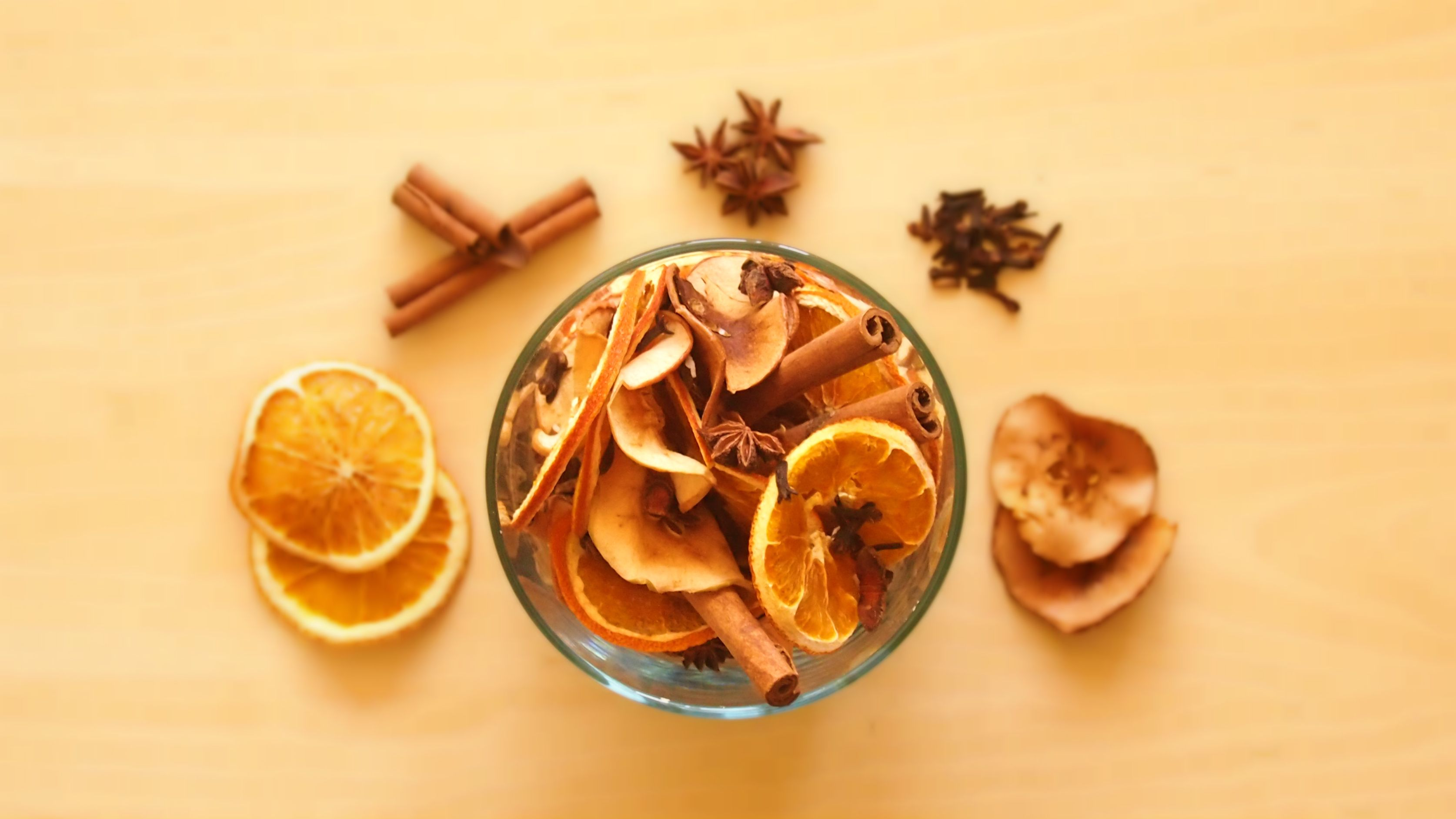 Fast, easy, cheap way to make your own potpourri. The apples can even be old.