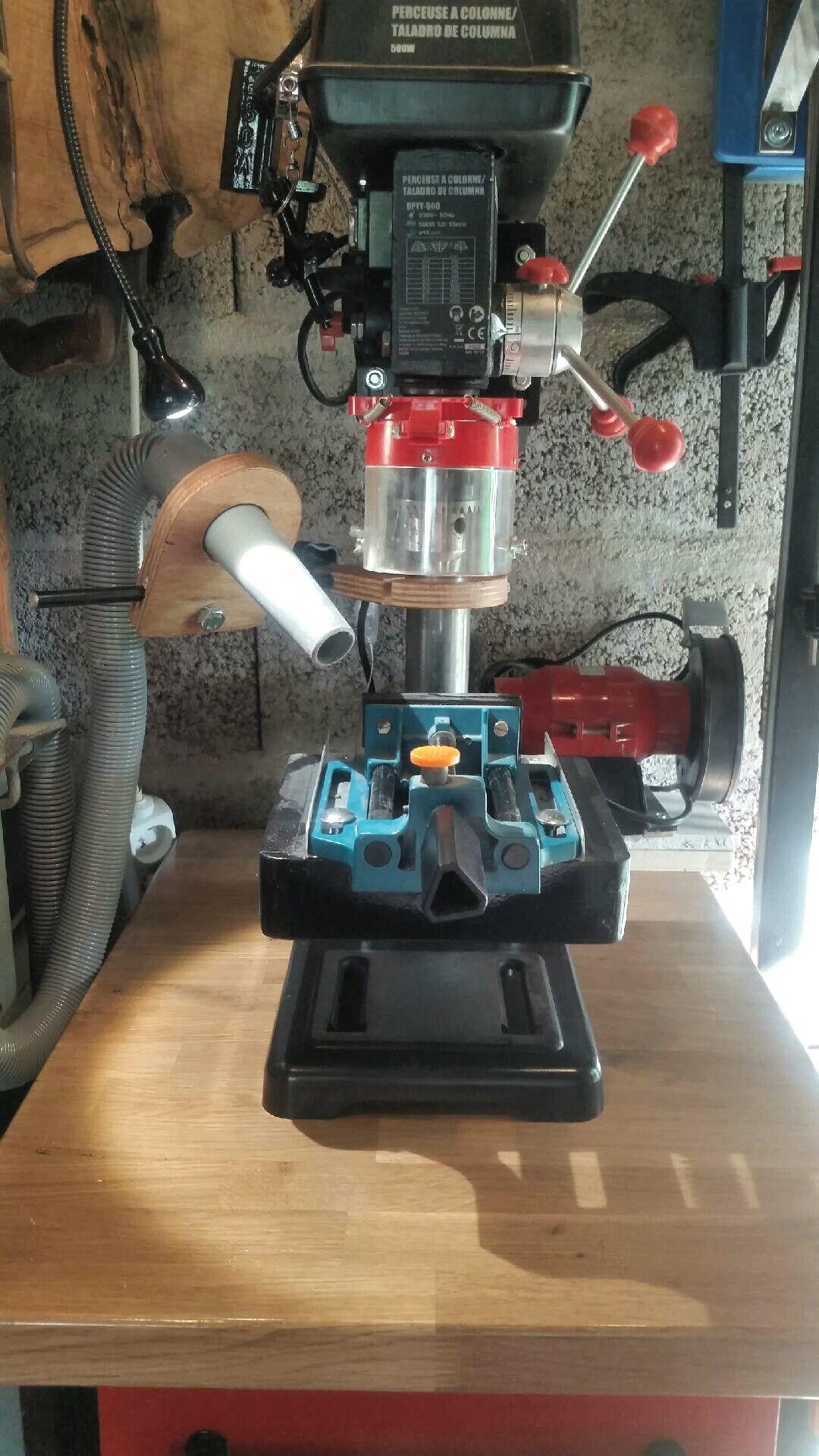 Diy Drill Press Dust Collector By R2ekogp Systeme D Aspiration De Copeaux Pour Perceuse A Colonne Etape 5 2 Assemblage Fina Perceuse A Colonne Diy Perceuse