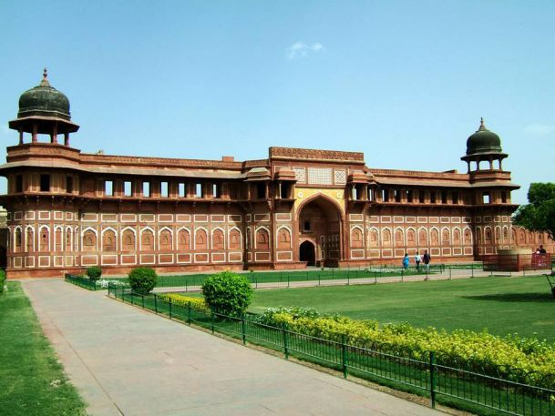 Agra Fort. Agra, Uttar Pradesh, India. 11th century.  The sister monument of the famous Taj Mahal, the Agra Fort is another UNESCO World Heritage site. It is a brick fort with a semicircular plan, with its chord lying parallel to the river and its walls seventy feet high. In 2004, this fort won the Aga Khan Award for Architecture.