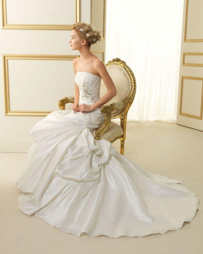 126 TAURO / Wedding Dresses / 2013 Collection / Luna Novias