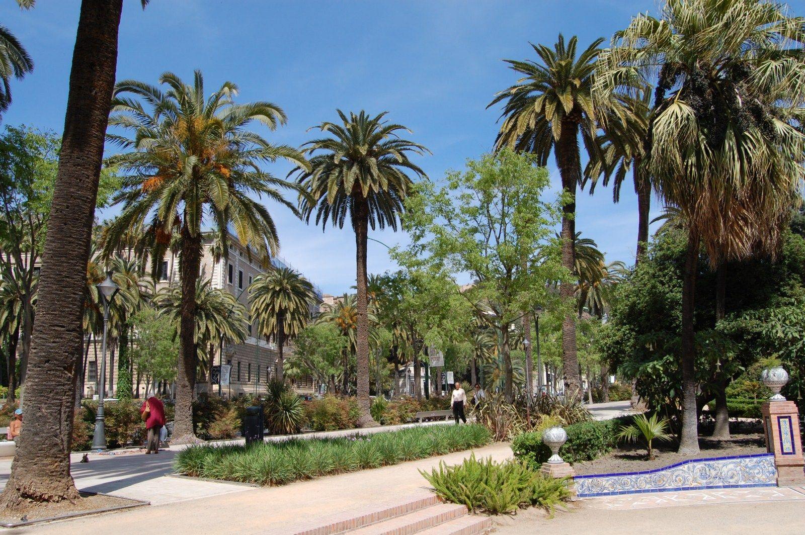 Place Paseo del Parque, Málaga / Andalucía, Spain. Photo