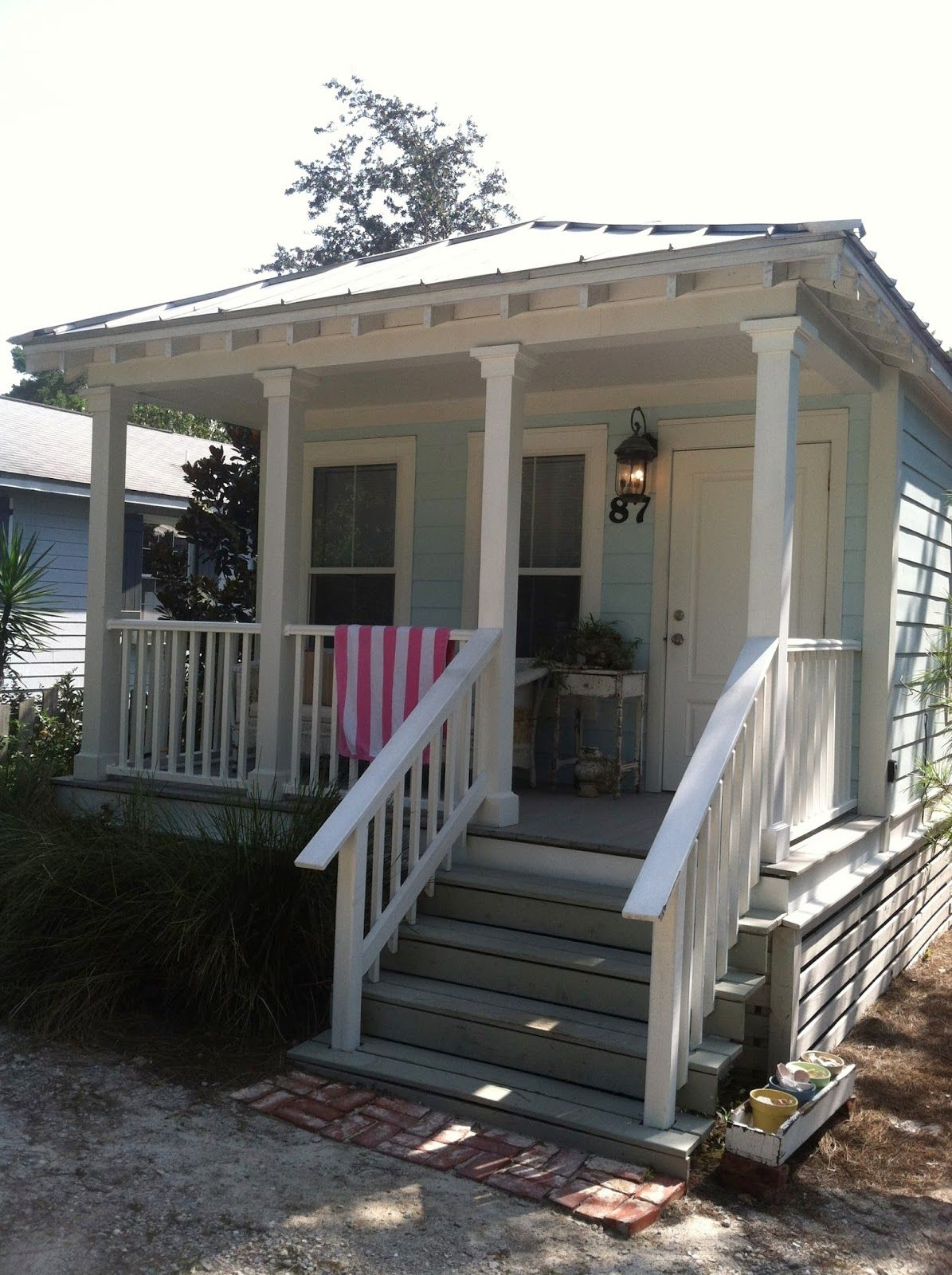 Tiny houses on the beach in florida - A Vintage Beach Cottage In Seagrove Florida