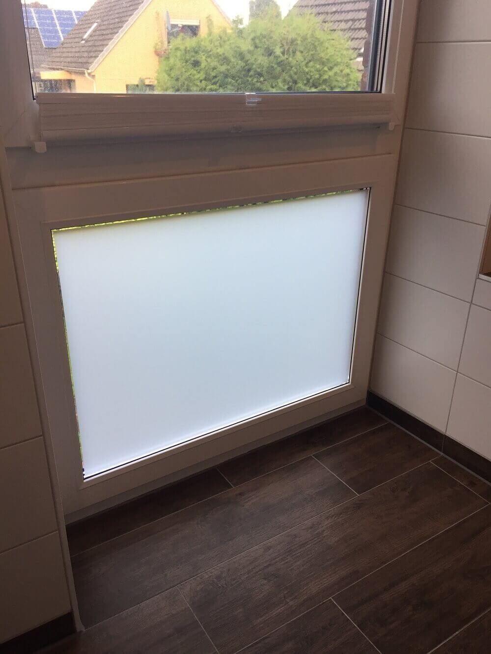 Milchglasfolie Sichtschutzfolie Im Schlaf Und Badezimmer Angebracht Sichtschutz Fenster Fensterfolie Sichtschutz Fensterfolie