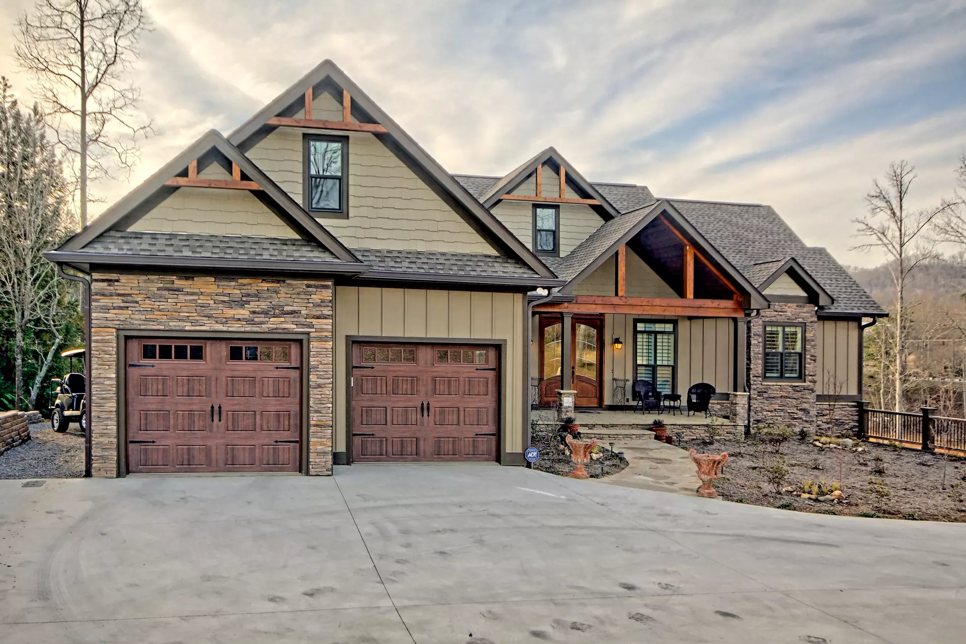 Let Brown Haven Build Your Personalized Mcintosh Plan On Your Land No Land No Problem One Craftsman House Plans House With Land Craftsman Style House Plans