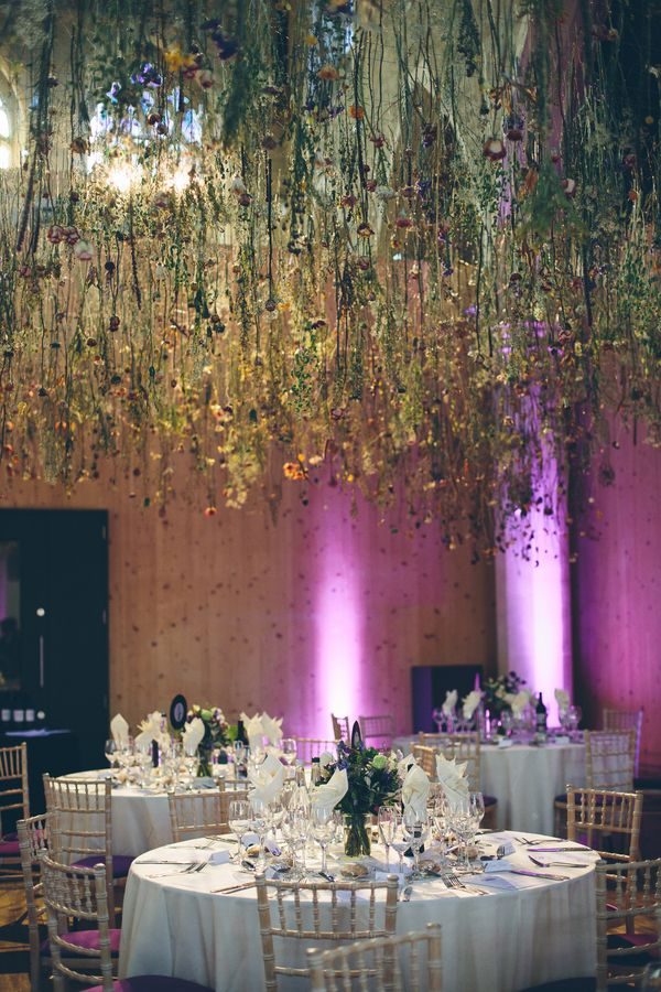 @palomablancawed | Real #Bride Eleanor's gorgeous #weddingdecorations. Enchanting Garden Museum Wedding Hanging Flowers