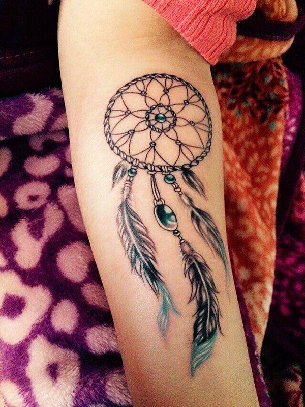Le Tatouage De L Attrape Rêve Symbolise La Protection Mais Ce N Est Pas Tout Tatouage Attrape Reve Tatouage Attrape Reve Poignet Capteurs De Rêves Tatouage