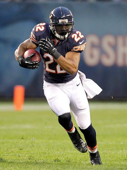 Check Out Chicago Bears Running Back Matt Forte In A Live Webchat Tonight At 5 30 Et At Www Facebook Com Fedex Tweet Your Chicago Bears Da Bears Chicago Sports