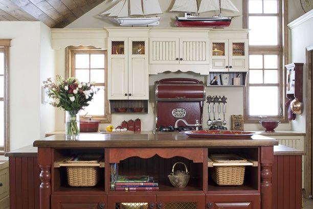 Armoires de cuisine de style champêtre avec une touche classique