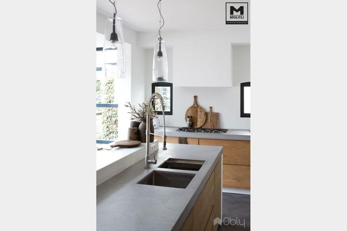 Keuken van betonstuc en hout obly kitchen parquet