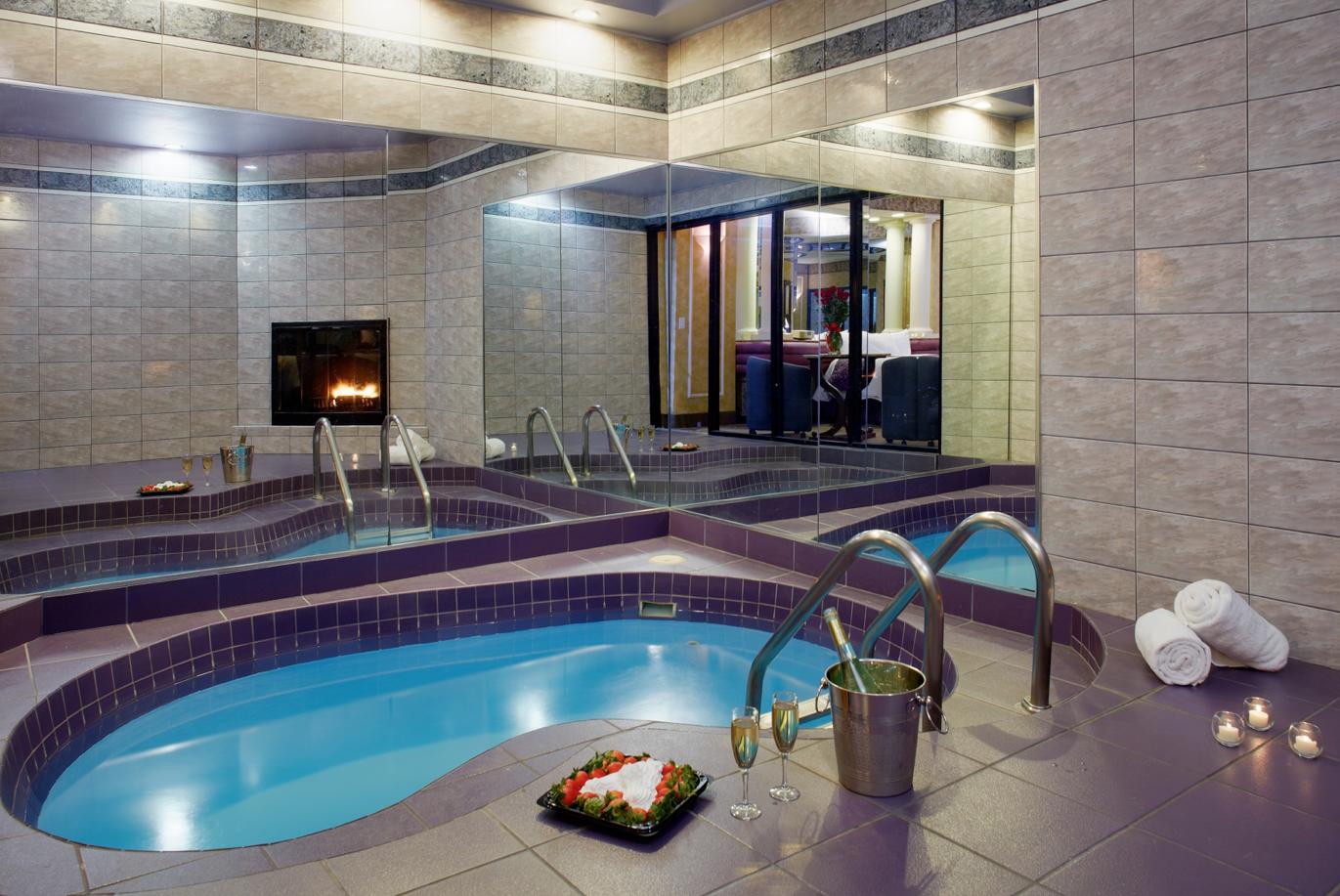 Diana S Oasis In Suite Pool Romantic Resorts Poconos Resort Resort