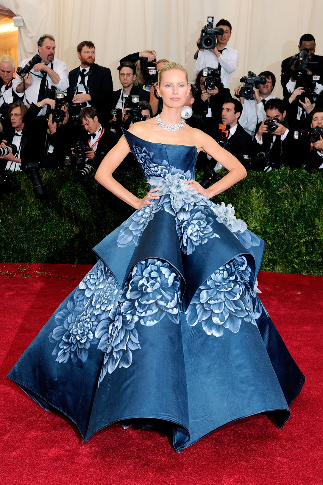 The Most Gorgeous Looks From The Met Gala Gala Dresses Nice
