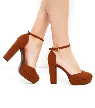 black closed heel shoes