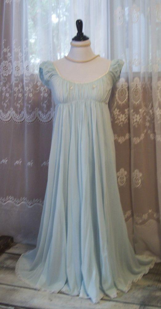 VINTAGE LUCIE ANN CLAIRE SANDRA FLOWING BLUE NIGHTGOWN GORGEOUS SZ SM   CLAIRESANDRALUCIEANN 6b4a735232ad