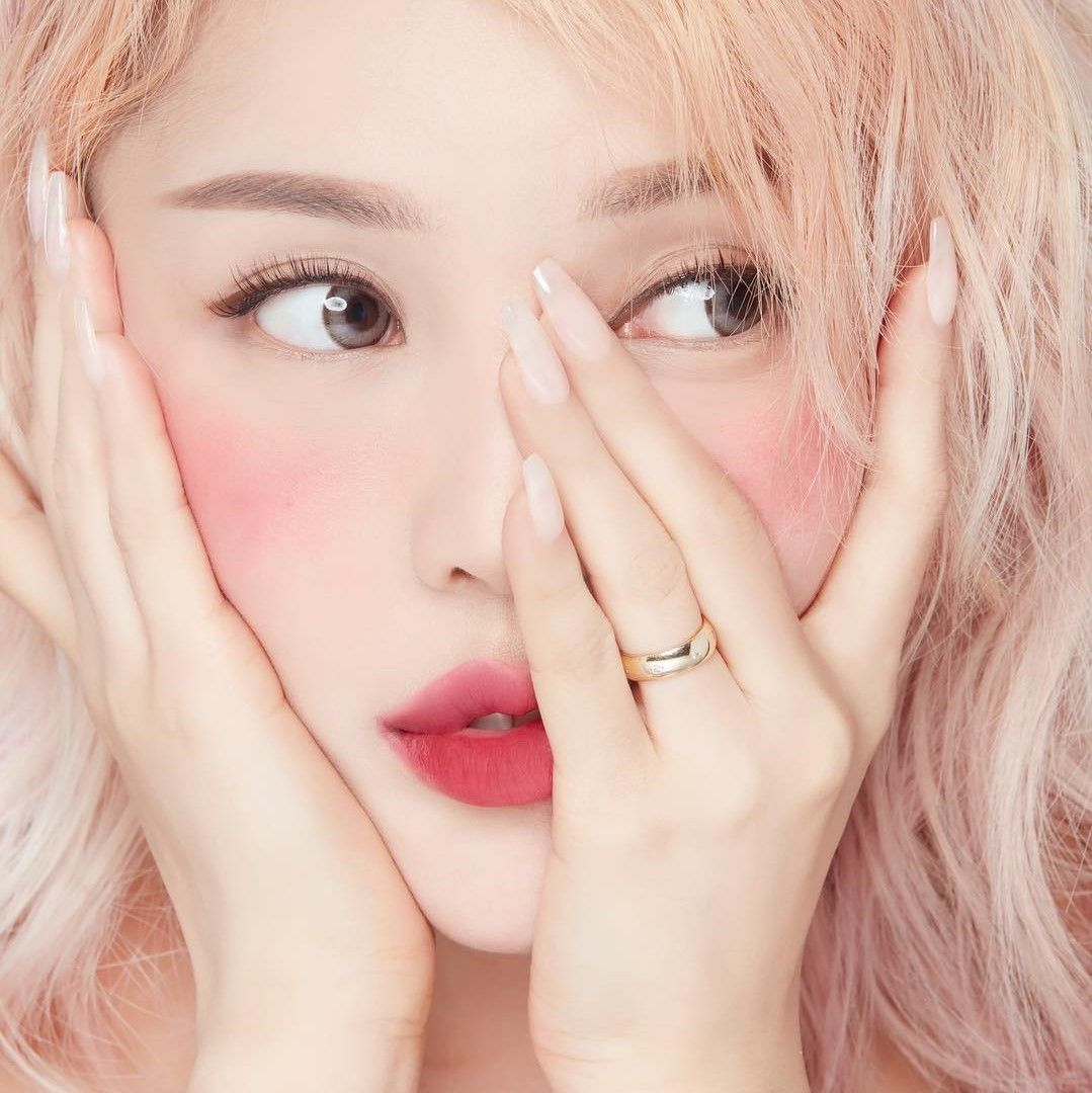 pastel makeup Tumblr Beauty, Lightweight foundation