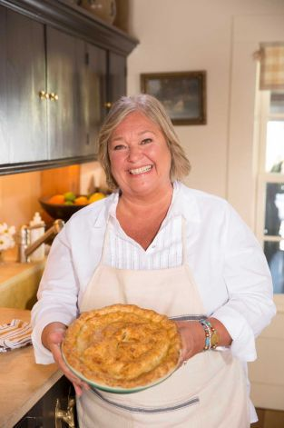 Steve Barnes Tv Cook Rules The Roost On Her Farm Food Network Chefs Food Network Recipes Cooking