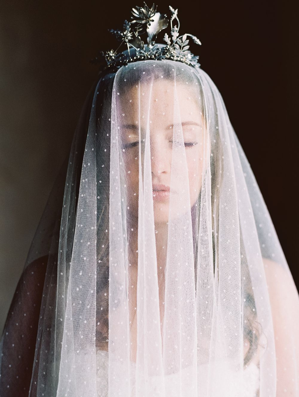 Fashion style Vintage Exclusive veil for beautiful bridals for girls