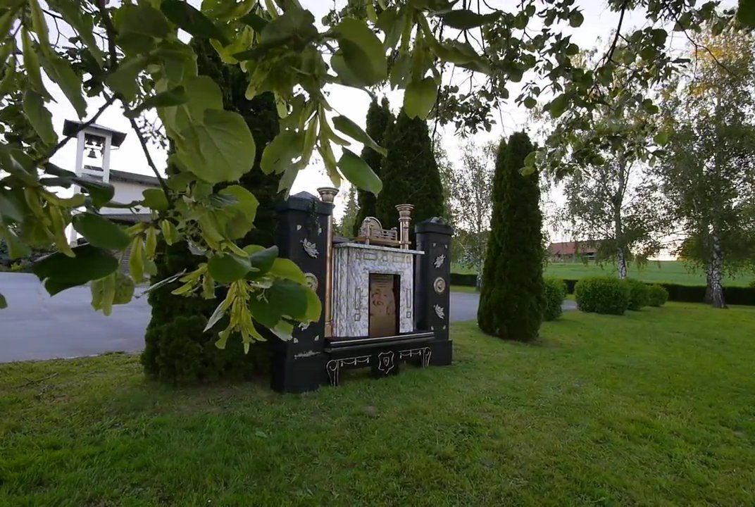 Digital tombstone brings the dead back to life