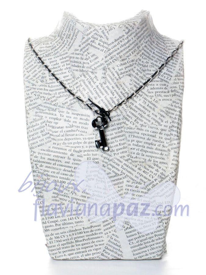 """Gargantilla en cadena de plata y cordón negro, """"Key"""" de Swarovski®"""