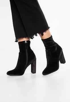 Su Zalando Stivali Boots Look Calzini Pinterest Gli Sock RxqASwXEIw