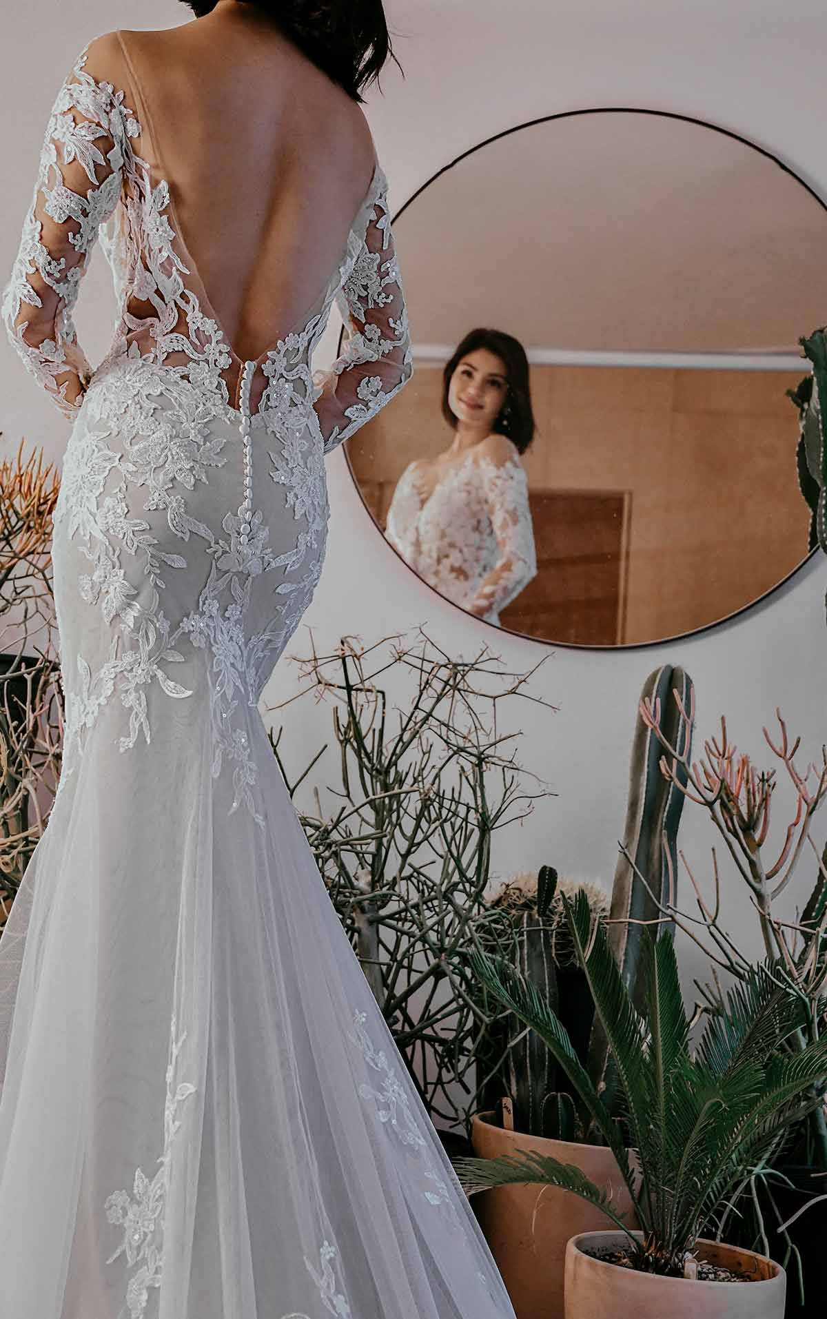 Sheer Floral Lace Wedding Dress With Long Sleeves Essense Of Australia Wedding Dresses In 2021 Essense Of Australia Wedding Dresses Floral Lace Wedding Dress Wedding Dresses [ 1914 x 1200 Pixel ]