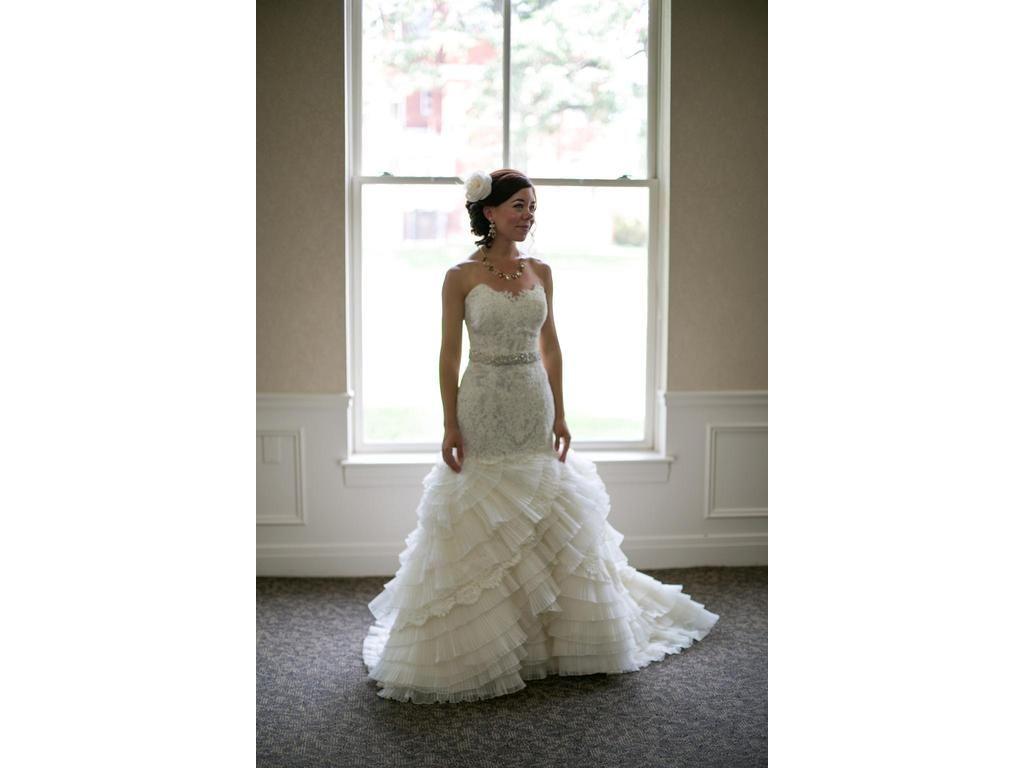 Custom wedding dress designers  American Wedding Dress Designer from the USA near Dallas Texas