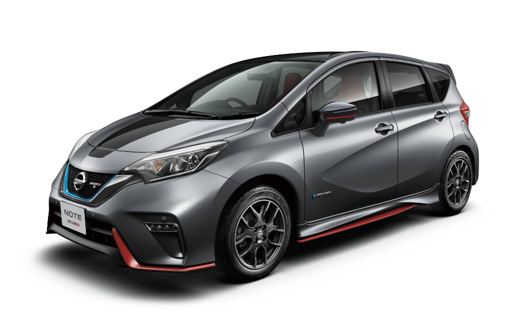 Can T Touch This Nissan Note Nismo Black Limited Edition Is Strictly For Japan Carscoops Nissan Note Nissan Versa Nissan