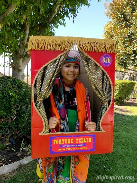 DIY Fortune Teller Booth Halloween Boxtume Diy halloween