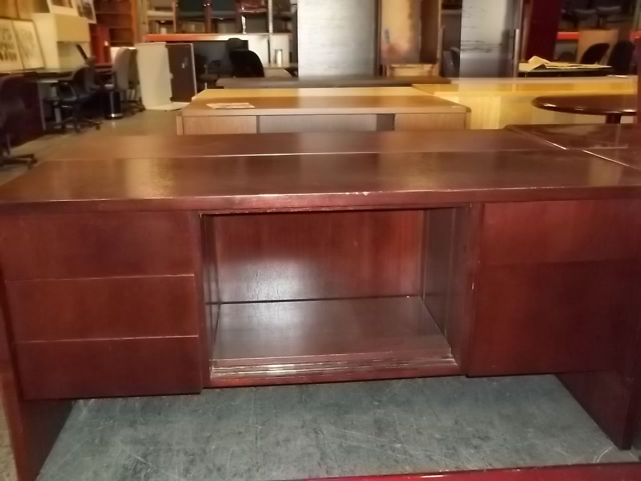 Terrific This Nice Looking Credenza Was Found At Alternative Office Home Remodeling Inspirations Cosmcuboardxyz