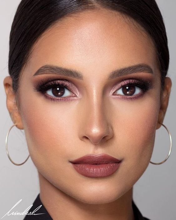 5 Everyday Eyeshadow Ideas To Try For Almond Eyes
