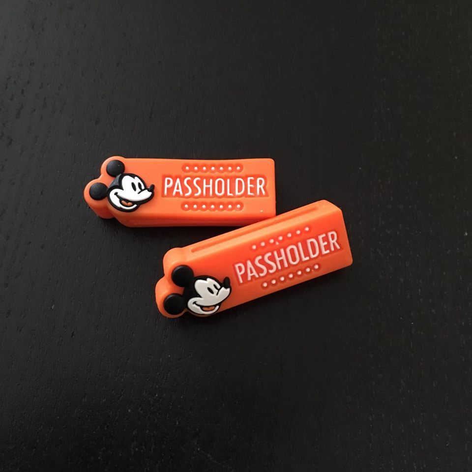 HTF NEW Authentic Walt Disney World Annual Passholder Magic Band  Orange Slider
