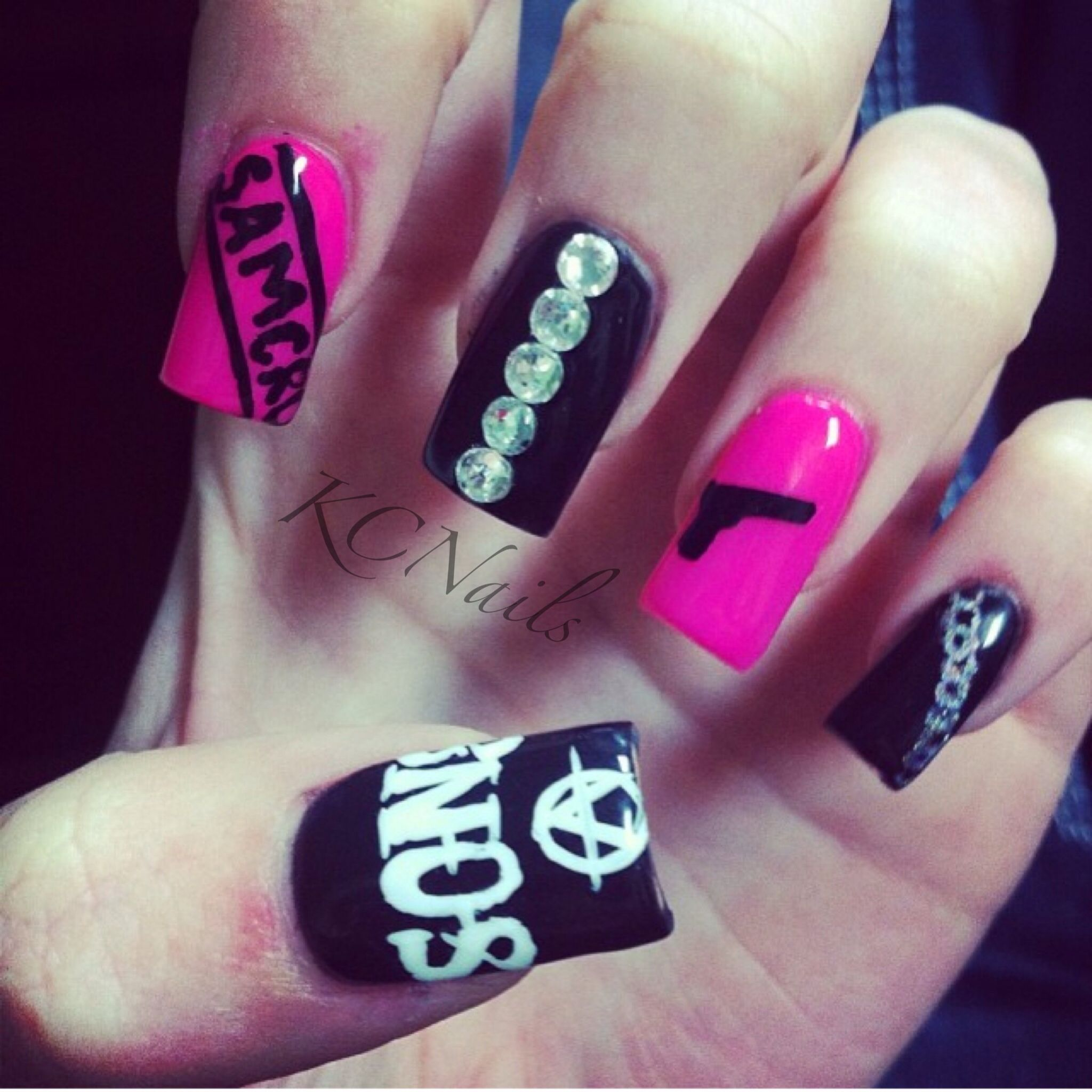 Sons of Anarchy Nails. Hot pink and black acrylic nails ...