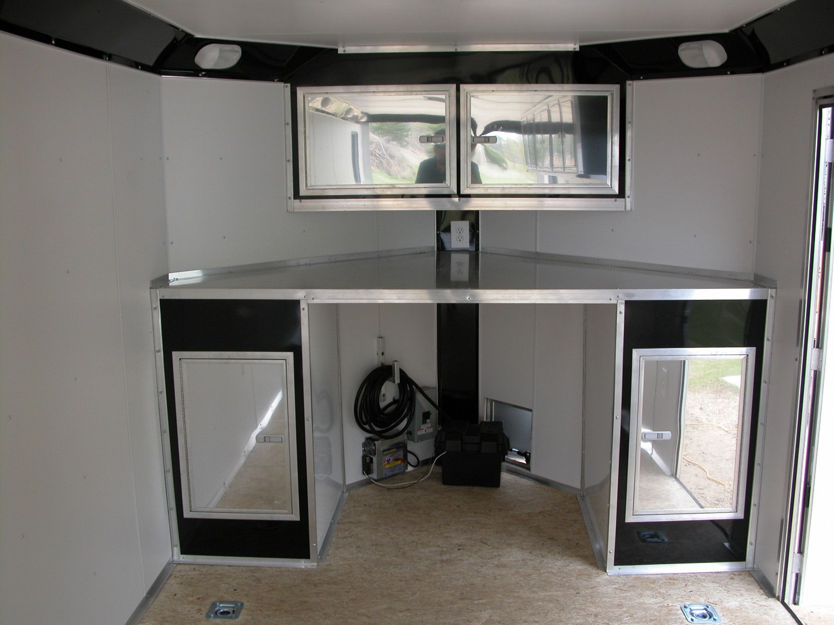 Cargo Trailer Accessories >> Pin By Rahayu12 On Interior Analogi Enclosed Trailer Cabinets