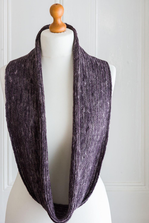 Fine Herringbone Cowl, full length | Knit in the round ...