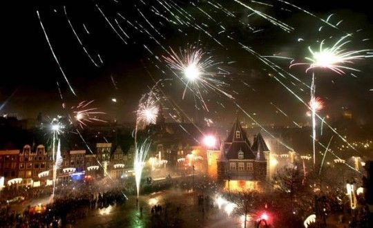 Where To Go For New Years Eve The Hostelbookers Blog Amsterdam New Year Happy New Year Fireworks Amsterdam New Years Eve