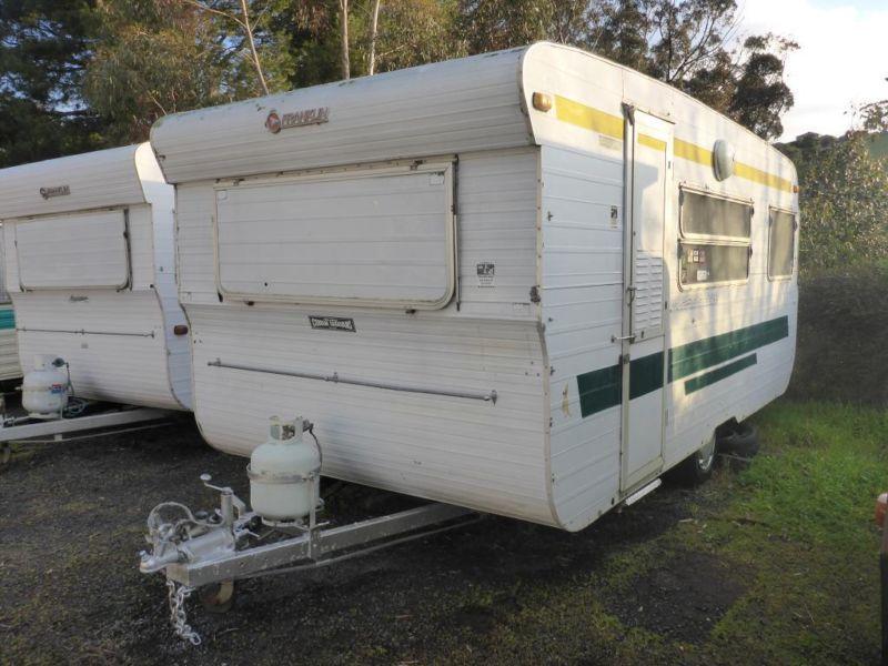 Franklin 16ft caravan front bunks rear double bed
