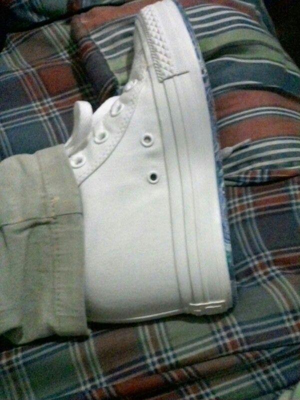 Zapatillas con taco oculto