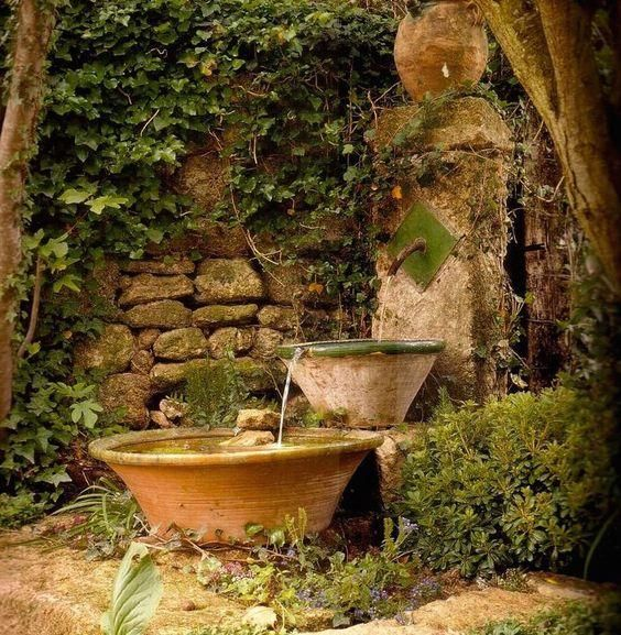 30 ideas para decorar tu jardín con fuentes Fountain, Gardens and