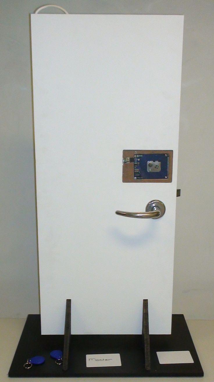 Arduino Rfid Door Lock Arduino Arduino Projects Diy Electronics