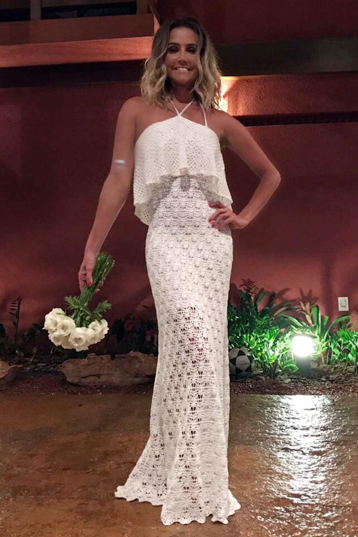 Vestido Decote Amarrar Conchita Off White | Galeria Tricot - Galeria Tricot