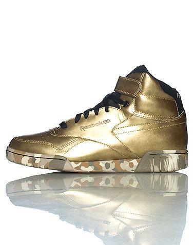 #WLYL | Sneakers, Gold reebok, Classic