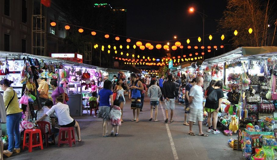 Night Market Tourist Attractions At Nha Trang City