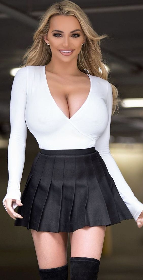 Sexy babes in miniskirts