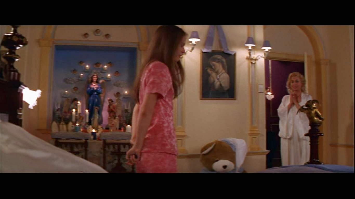 Juliet S Bedroom Romeo Juliet 1996 Romeo And Juliet Juliet Romeo Juliet 1996