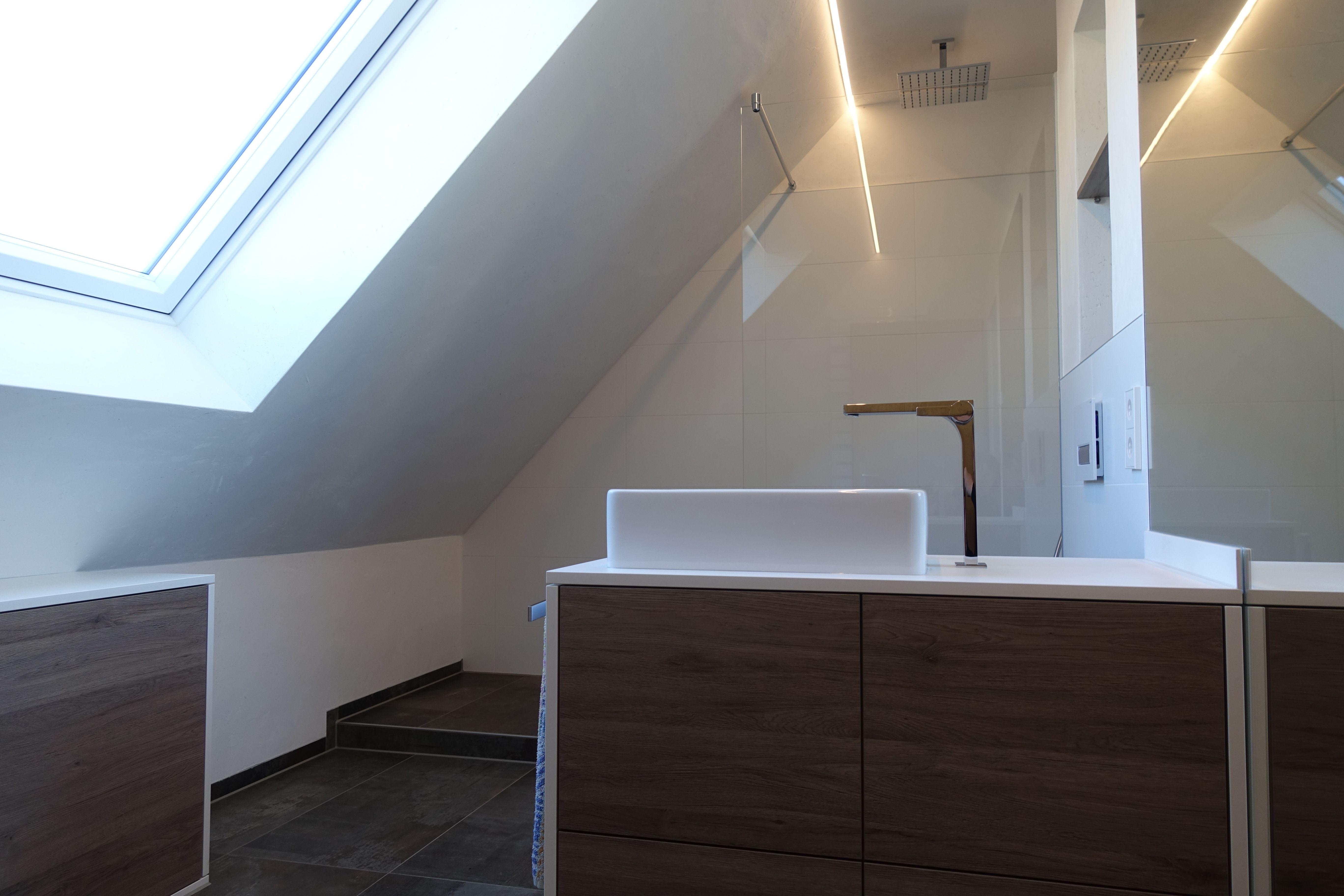 Wohntraum Ihr Full Service Badplaner In Ulm Mit Bildern Bad Mit Dachschrage