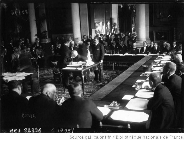 Greek Prime Minister Eleftherios Venizelos Signing The Treaty Of - Greece in the treaty of sevres