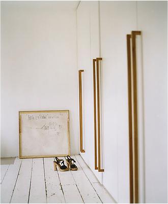 pour porte coulissante dorure pinterest placard poign e placard et penderie. Black Bedroom Furniture Sets. Home Design Ideas