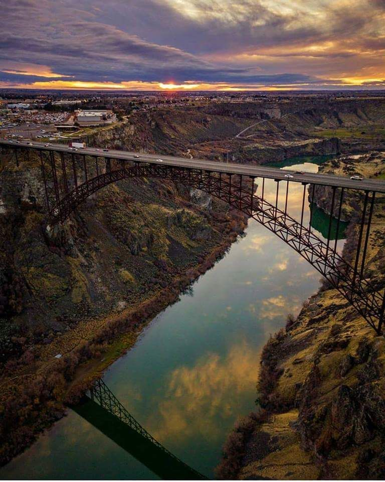 Perrine Bridge Over Snake River Canyon Twin Falls Idaho Such A