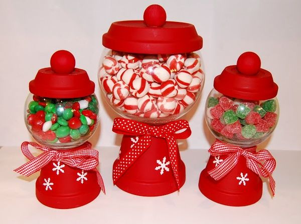 DIY Christmas candy holders http://media-cache8.pinterest.com/upload/205687907951378618_SqtoLLZM_f.jpg amcordary holiday