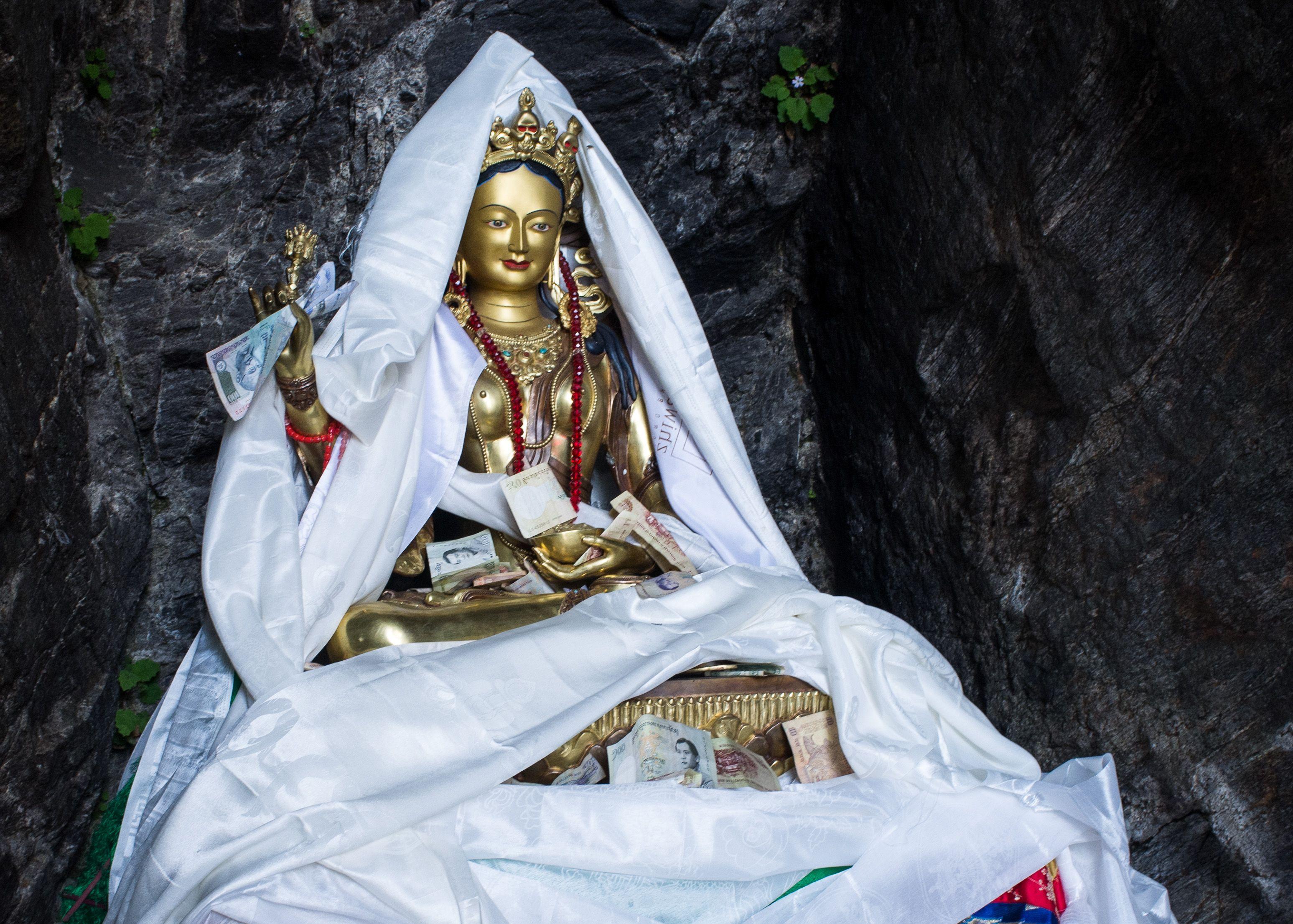 Estatua de Yeshe Tsogyal